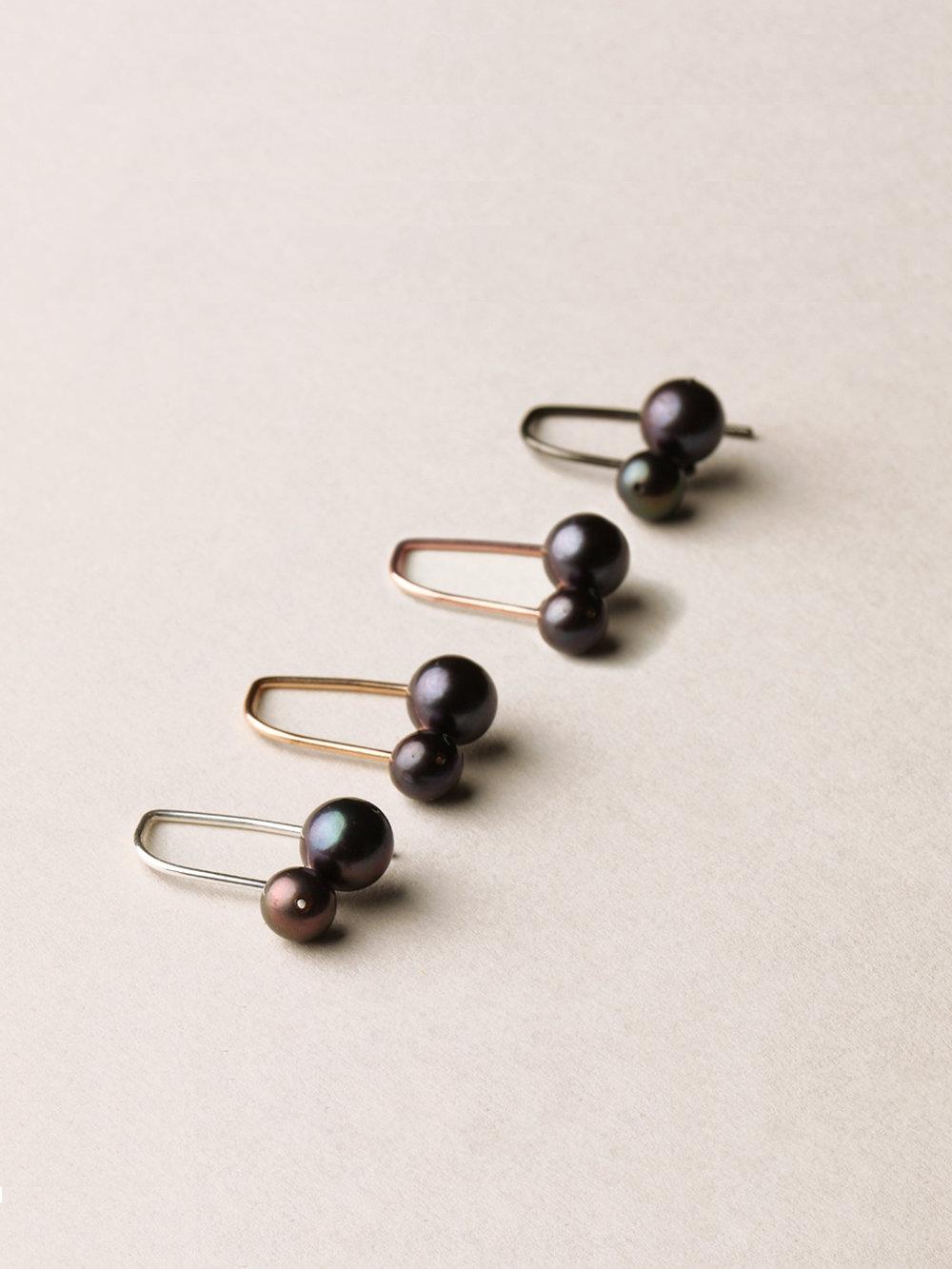 Perlen Ohrhänger, kurz mit 2 echten Süßwasserzuchtperlen in Silber/ rosegoldplatiertem Silber/ gelbgoldplatiertem Silber und schwarzrutheniertem Silber