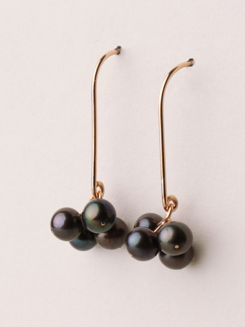 Perlen Ohrhänger mit 4 Perlen, lang in 585 Rosegold und echten Süßwasserzuchtperlen  Pearl earrings with 4 pearls, long in 14kt Rosegold and sweetwater pearls