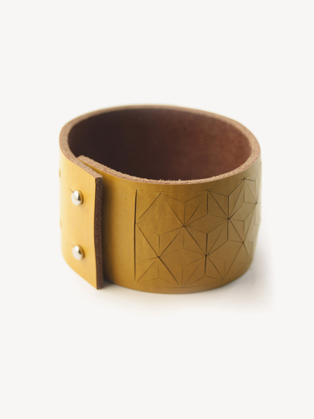 Leder-Armband, schmal in senfgelb/ Leather bracelet, small in curry