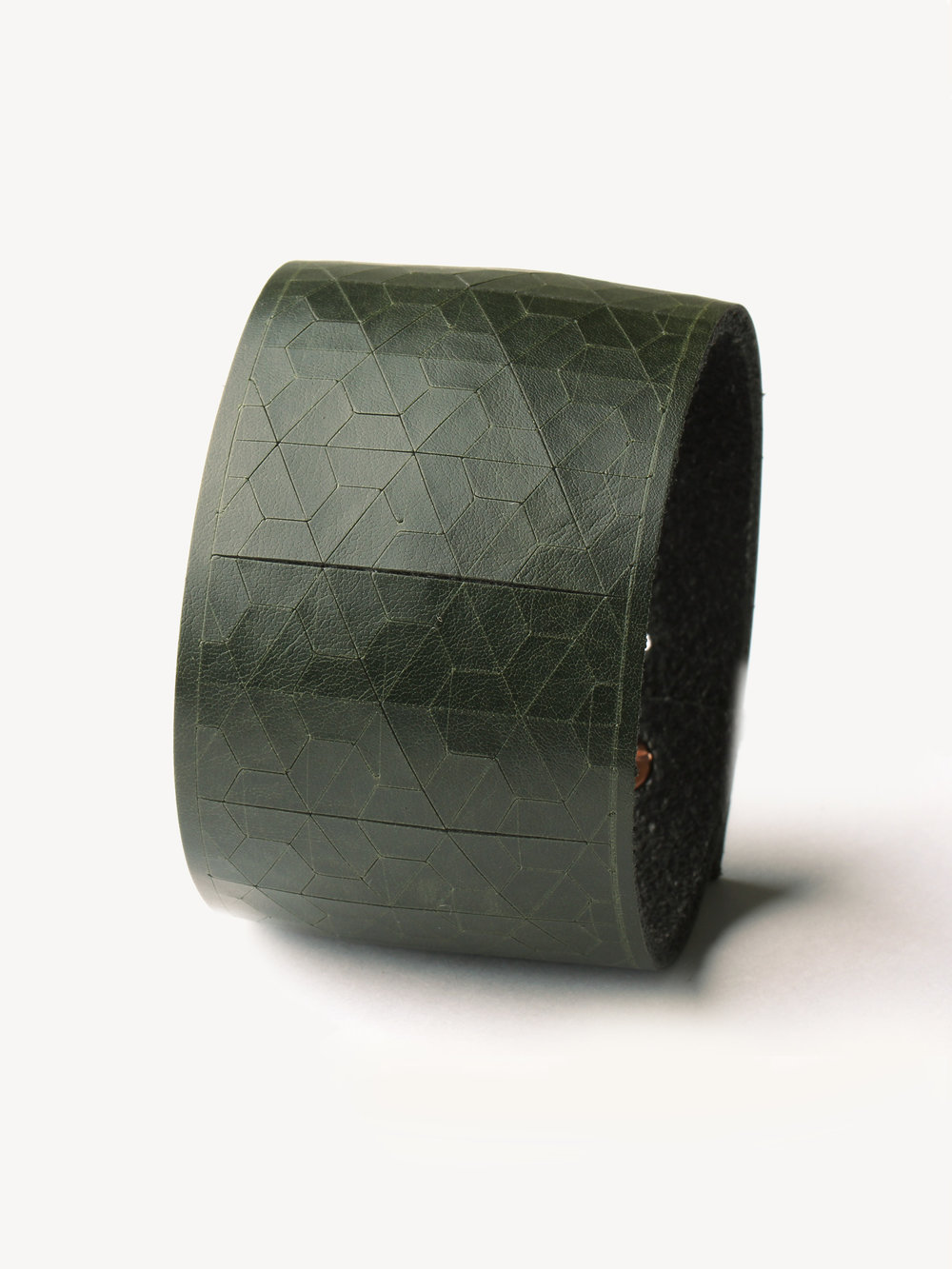 Leder-Armband, breit in dunkelgrün/ Leather bracelet, big in dark green