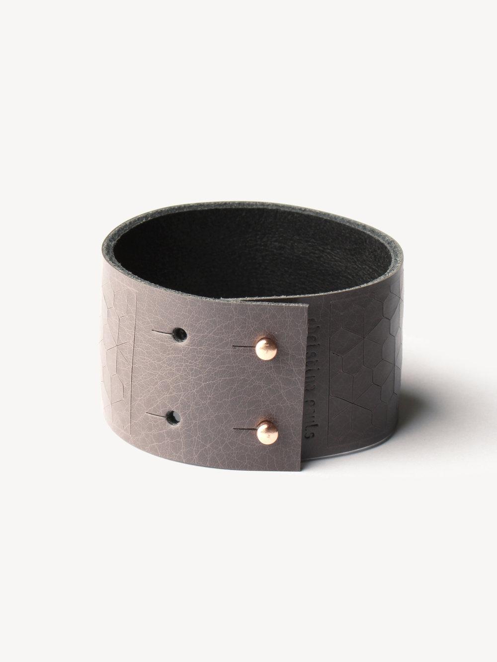 Leder-Armband, schmal in grau/ Leather bracelet, small in grey