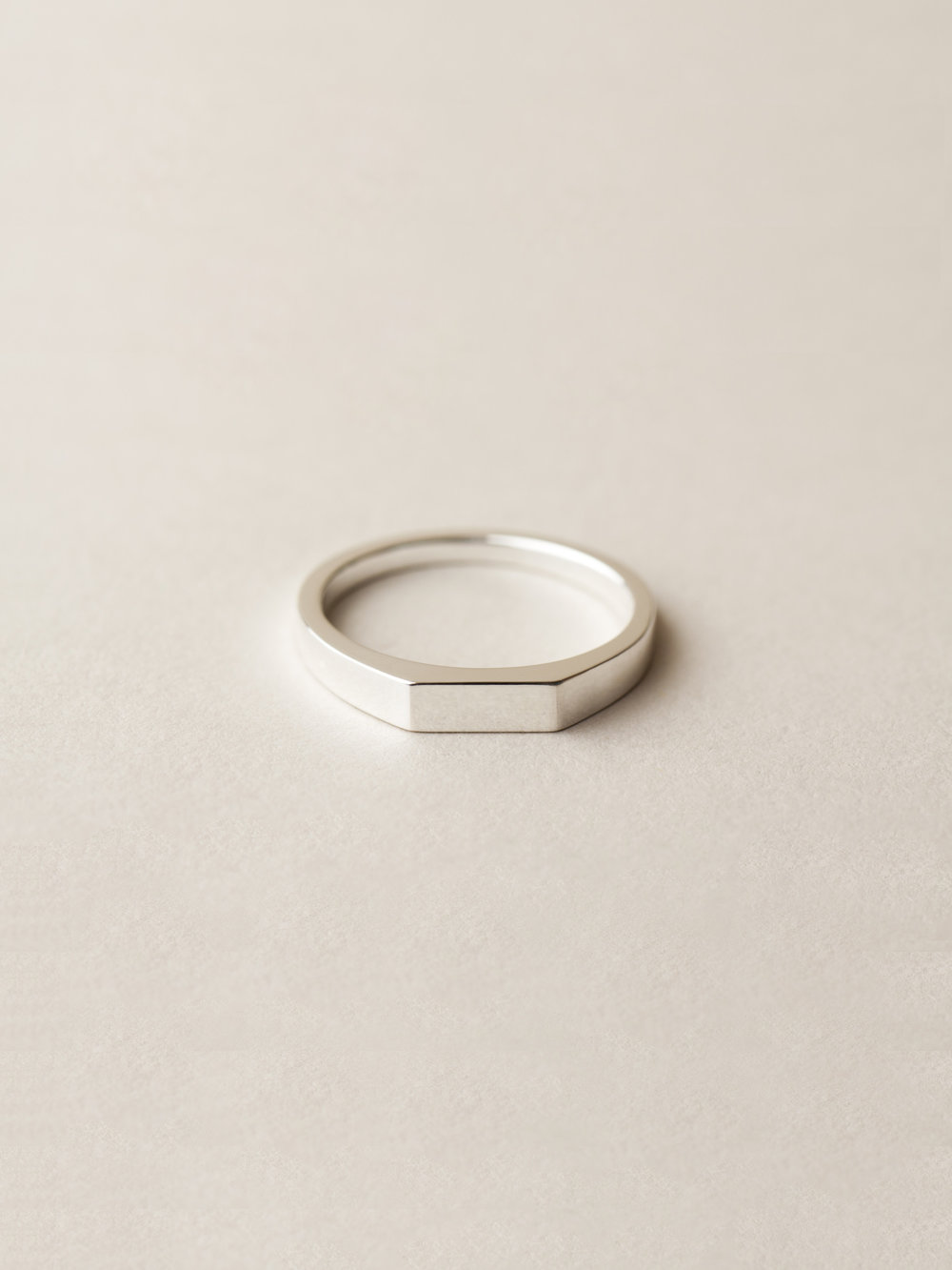 Siegelring Minima, klein rechteckig in 925 Silber  Signet ring Minima, small rectangle in sterling silver