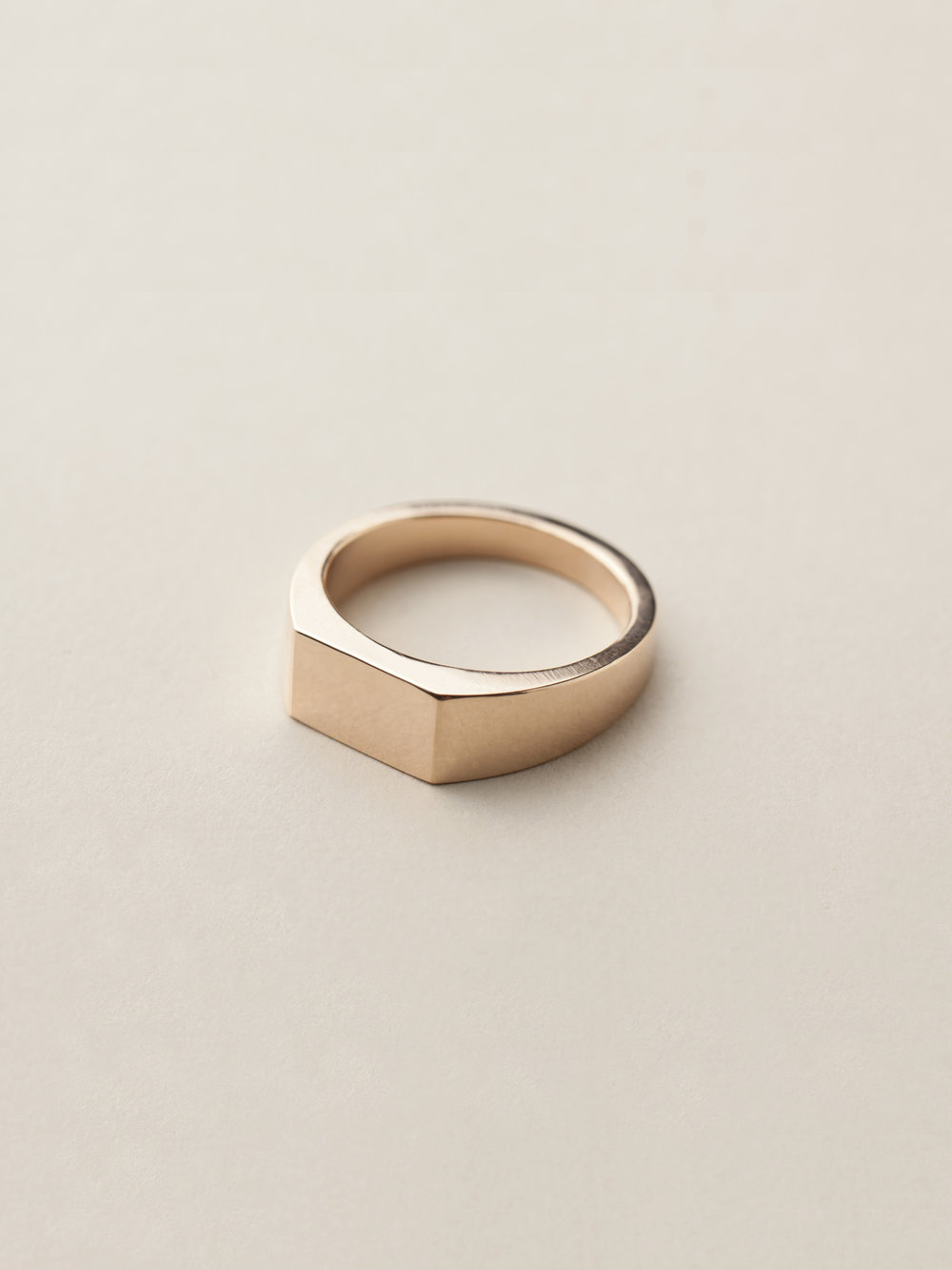 Siegelring Minima, mittel rechteckig in 585 Rosegold  Signet ring Minima, medium rectangle in 14ct rose gold