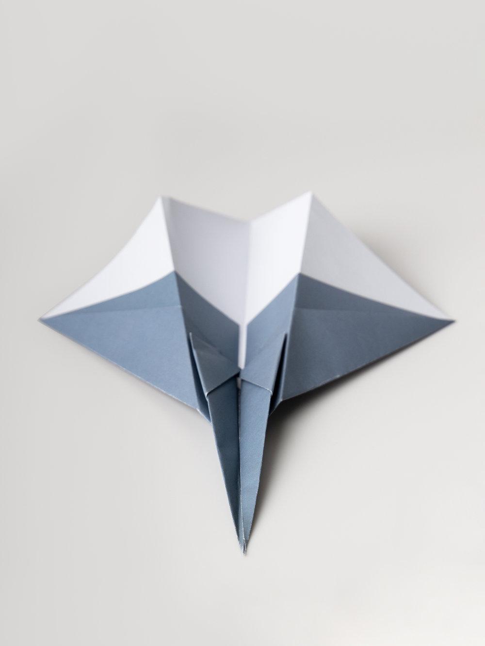Origami Figur Papierdüsenflieger  Origami figure Paperjet