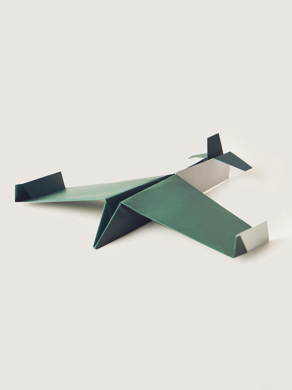 Origami Figur Papierflieger  Origami figure Paper airplane