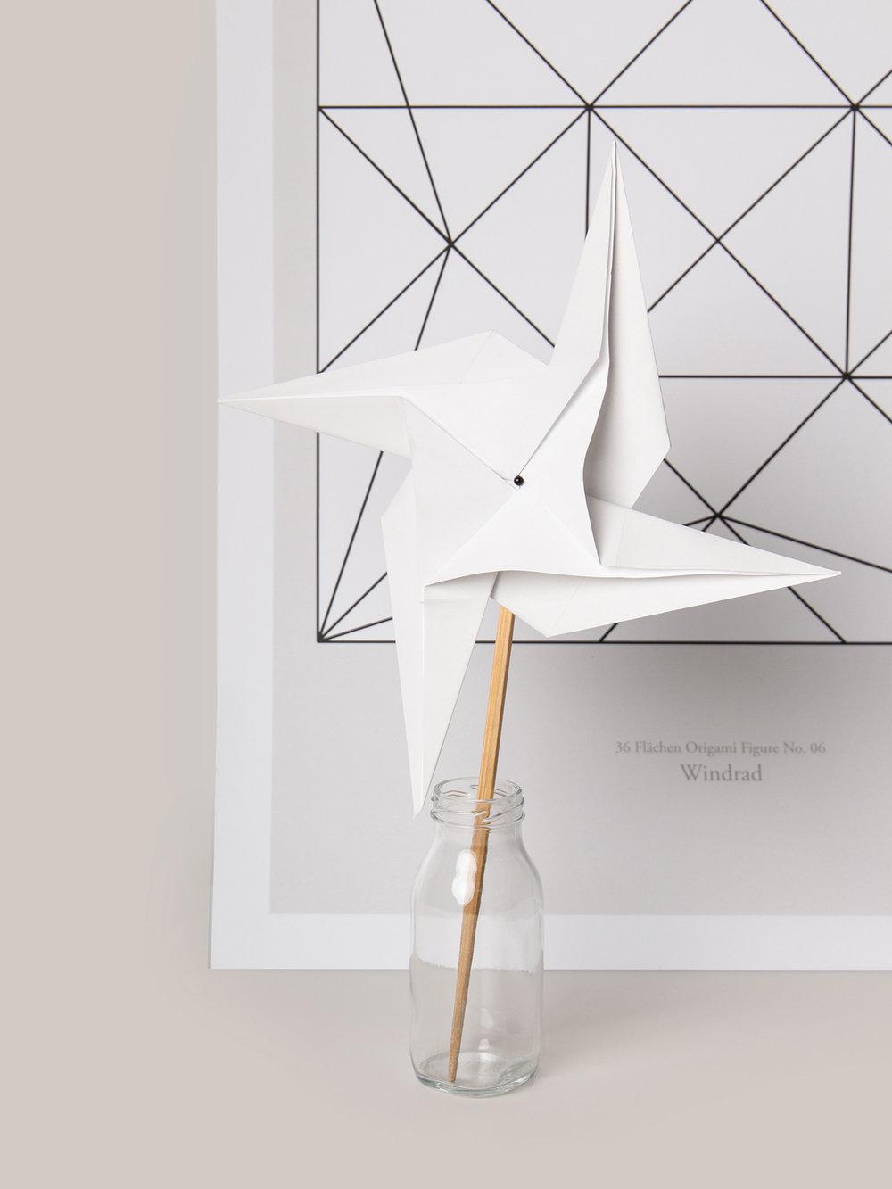 Origami Figur Windrad mit passendem Print  Origami figure Pinwheel with adequate print