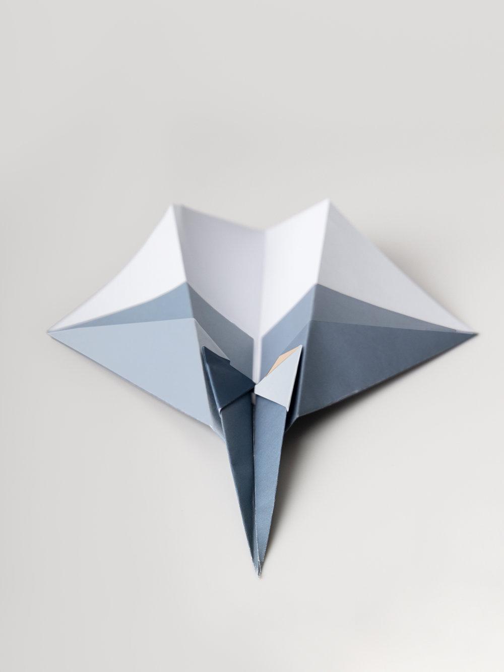 Origami  Figur Papierdüsenflieger, mehrfarbig  Origami figure Paperjet, multicolored