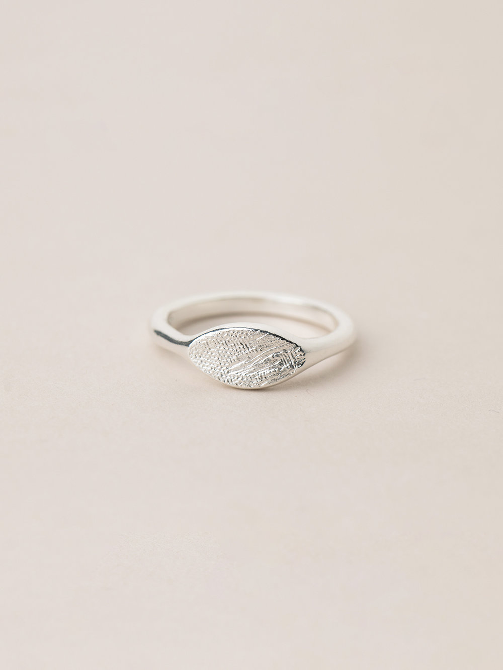 Breiter Amia Ring in 925 Silber  Signet ring Amia in sterling silver