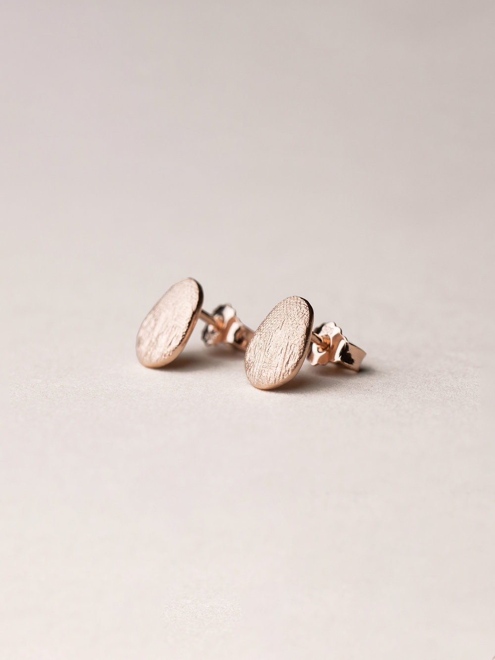 Ovale Amia-Ohrstecker in Silber, rosevergoldet  Amia, oval stud earrings in rosegoldplated silver
