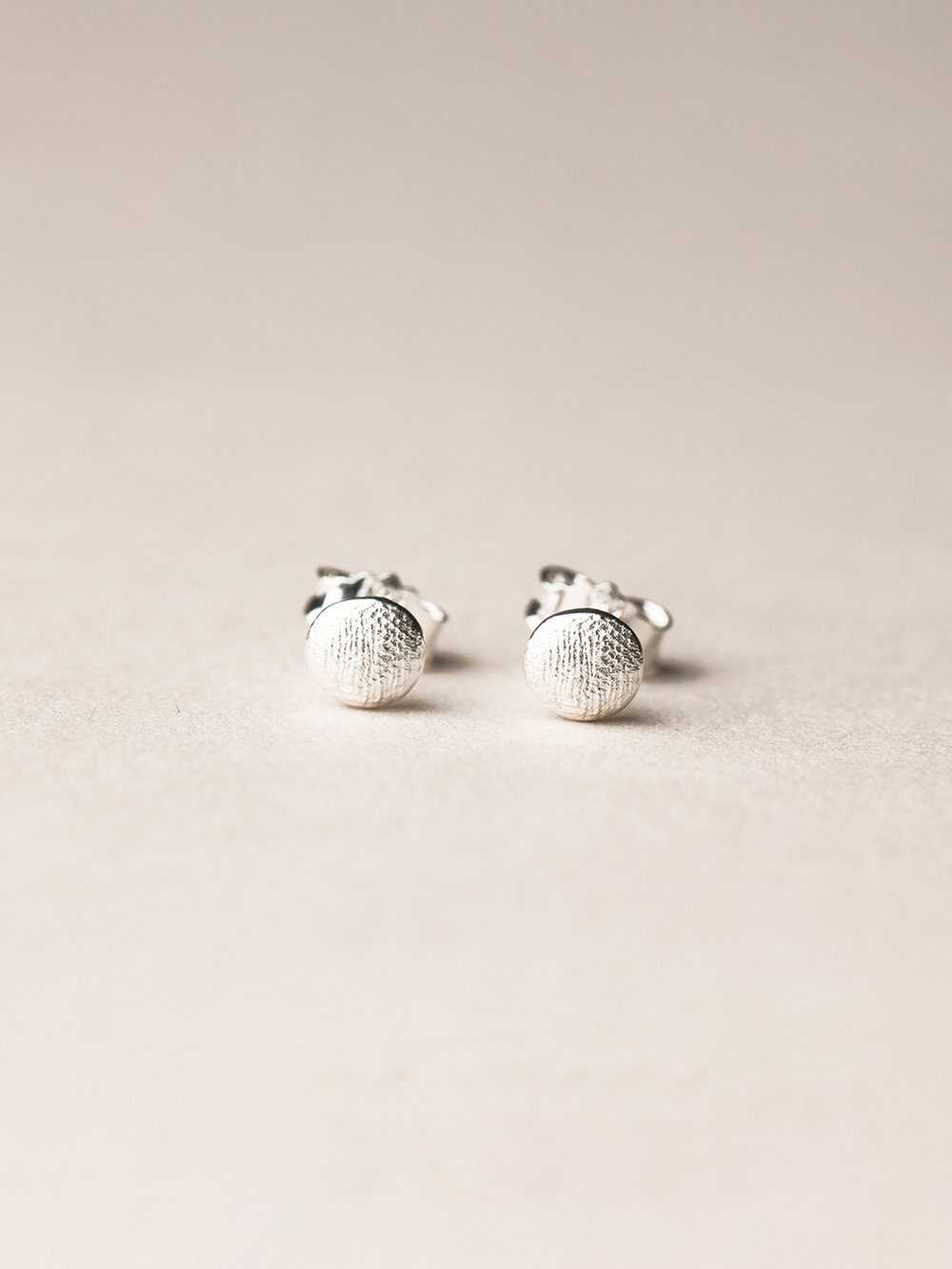 Runde Amia-Ohrstecker in 925 Silber  Amia, stud earrings in sterling silver