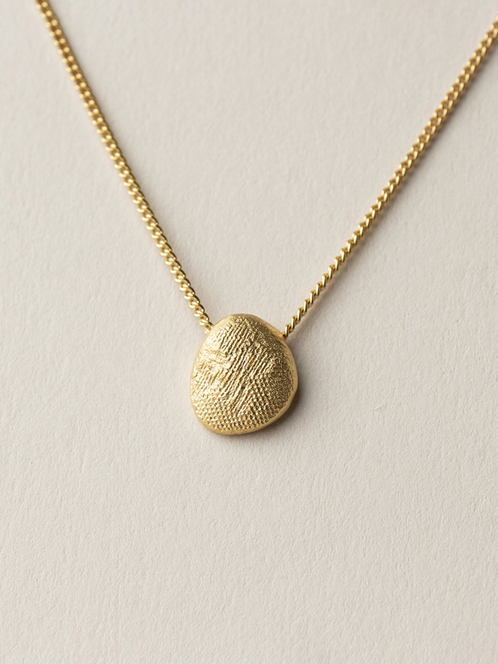 Kette Amia in goldplatiertem Silber  Amia necklace in goldpated silver