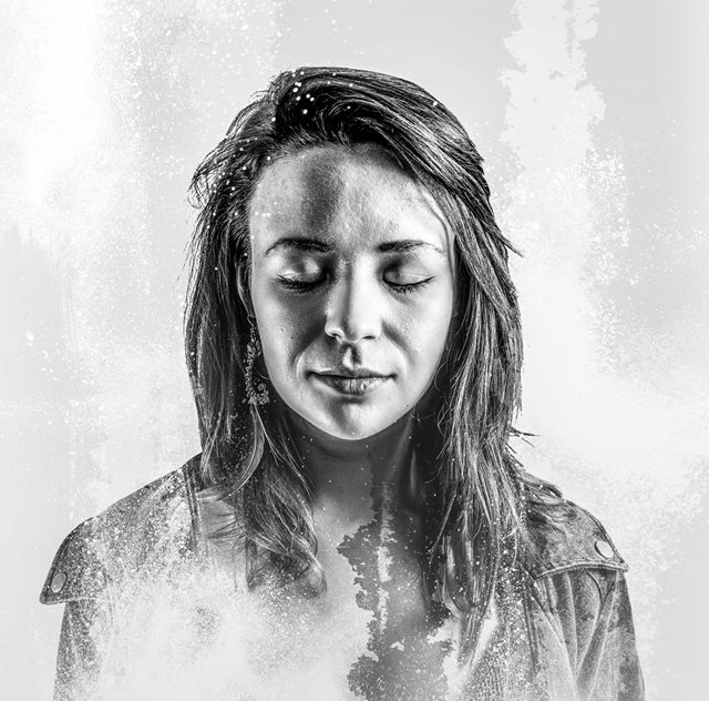 Emma Langford Decamber image.jpgEmma Langford live in Dolans Warehouse Limerick on december 1st 2017