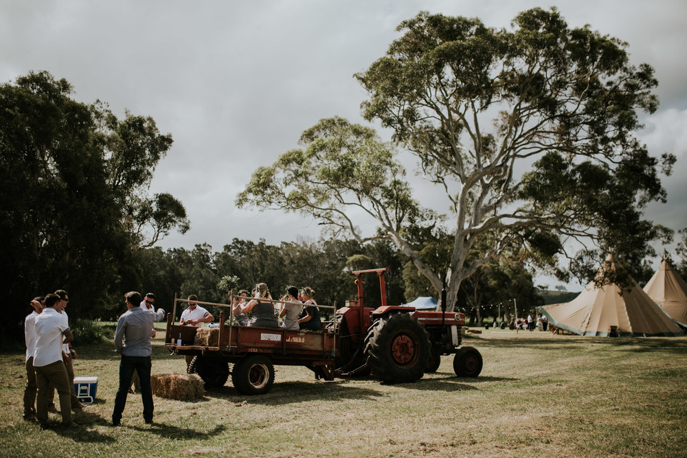 Tara_Luke_Jamberoo_Honey_farm_wedding-69.jpg