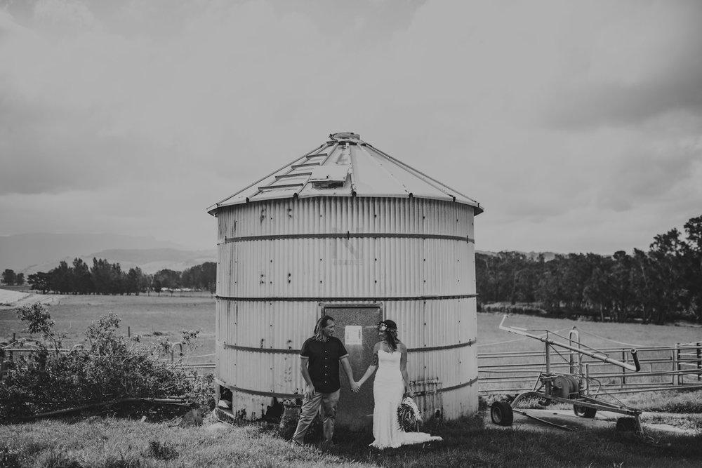 Tara_Luke_Jamberoo_Honey_farm_wedding-98.jpg