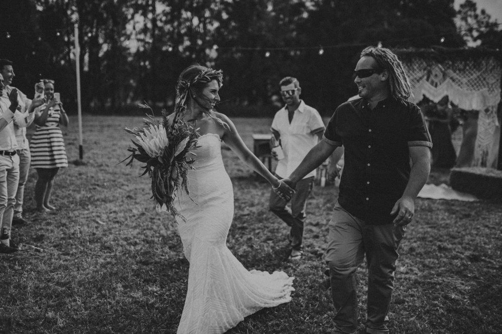 Tara_Luke_Jamberoo_Honey_farm_wedding-116.jpg