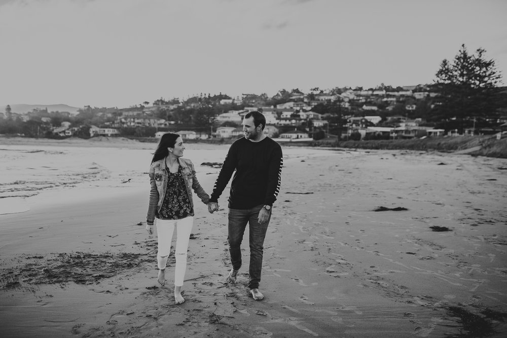 Zoe+Matt+Gerringong+beach+Engagement+Session-23.jpg