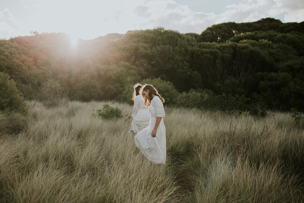 Meg+Leah+sisters+Relaxed+family+Session+Kiama+-15.jpg