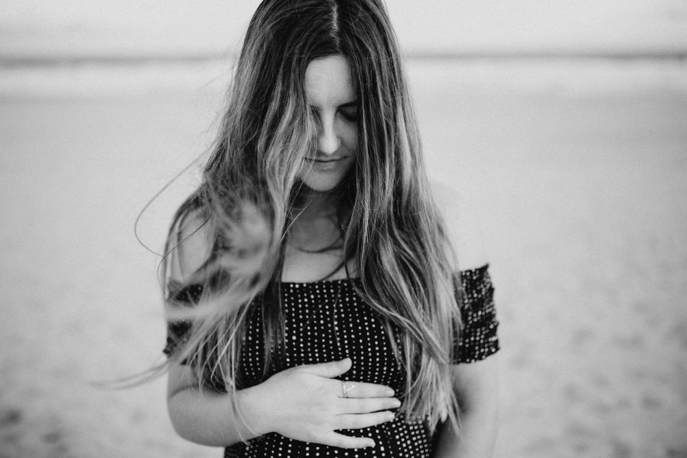 AMY+ANDREW+SHOALHAVEN+HEADS+BEACH+MATERNITY+SESSION+CANDID-21.jpg