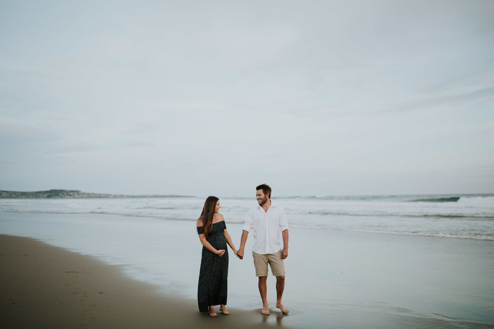 AMY+ANDREW+SHOALHAVEN+HEADS+BEACH+MATERNITY+SESSION+CANDID-27.jpg