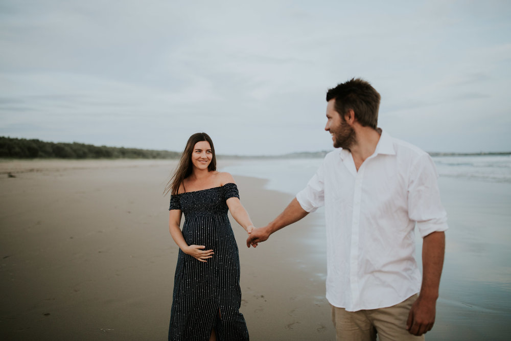 AMY+ANDREW+SHOALHAVEN+HEADS+BEACH+MATERNITY+SESSION+CANDID-28.jpg