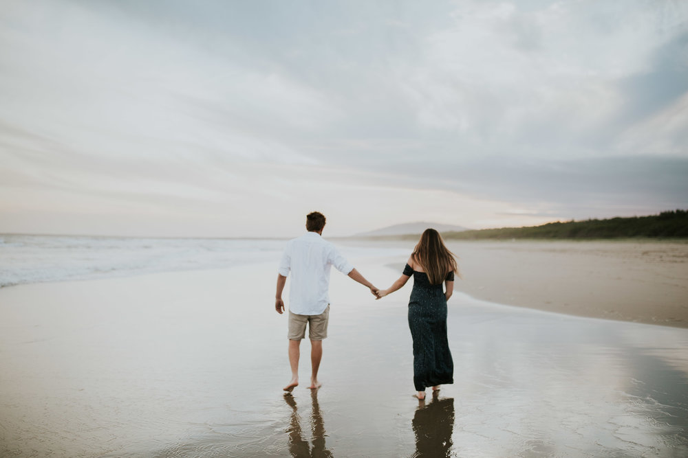 AMY+ANDREW+SHOALHAVEN+HEADS+BEACH+MATERNITY+SESSION+CANDID-31.jpg