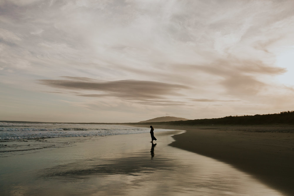 AMY+ANDREW+SHOALHAVEN+HEADS+BEACH+MATERNITY+SESSION+CANDID-45.jpg