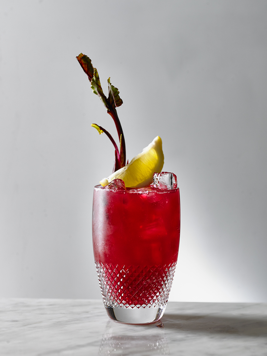 DOWNBEET  Sipsmith London Dry, beetroot, fennel, elderflower, soda