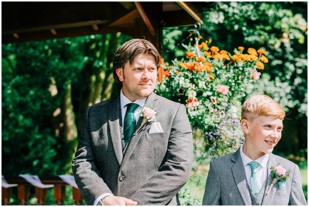 Natural wedding photography Manchester - Clare Robinson Photography_0178.jpg