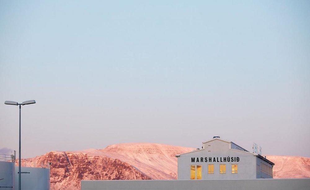 say hi to_ Marshall House