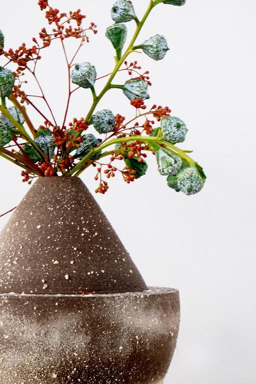 say hi to_ Architect Sophie Dries Ceramics flowers by Arturo Arita
