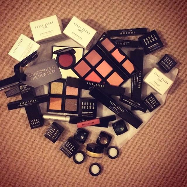 I ❤️ @bobbibrown  #makeup #makeupartist #skin #lovethisbrand #longwearinggelliner #blushers #lipliner #sparkle #eyeshadow #soothingbalm