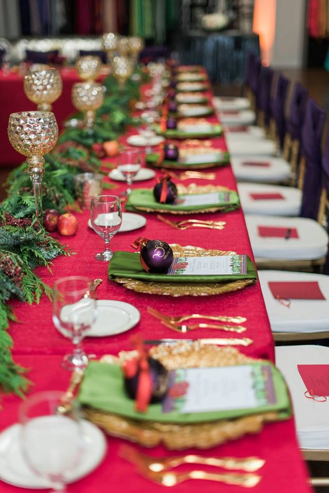 Holiday hosting worth posting hello honey - Interesting tables capes for christmas providing cozy gathering space ...