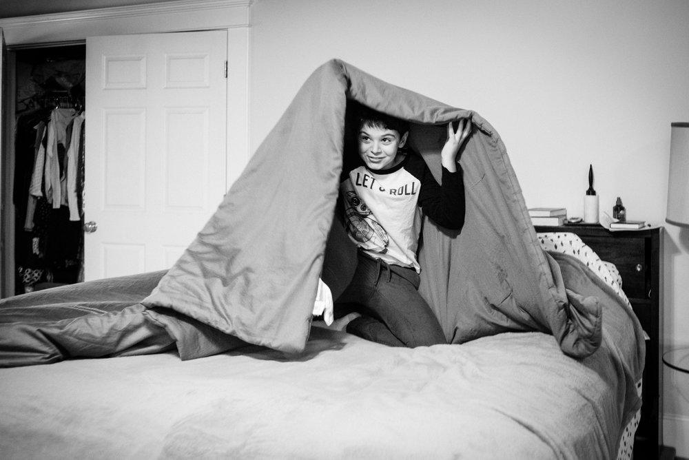 0386_boy-under-blanket.jpg