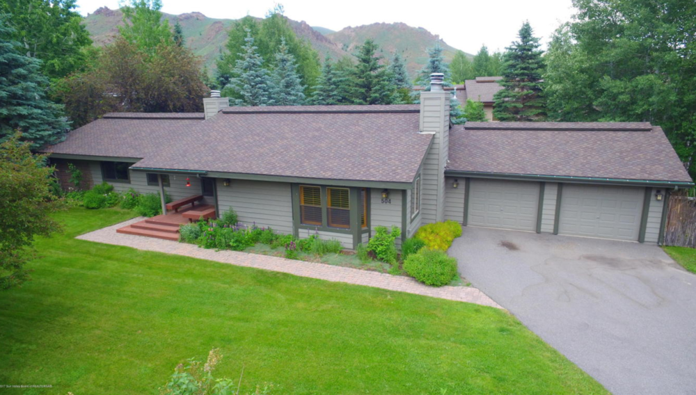 3 BEDS, 2 BATHS || KETCHUM || $775,000