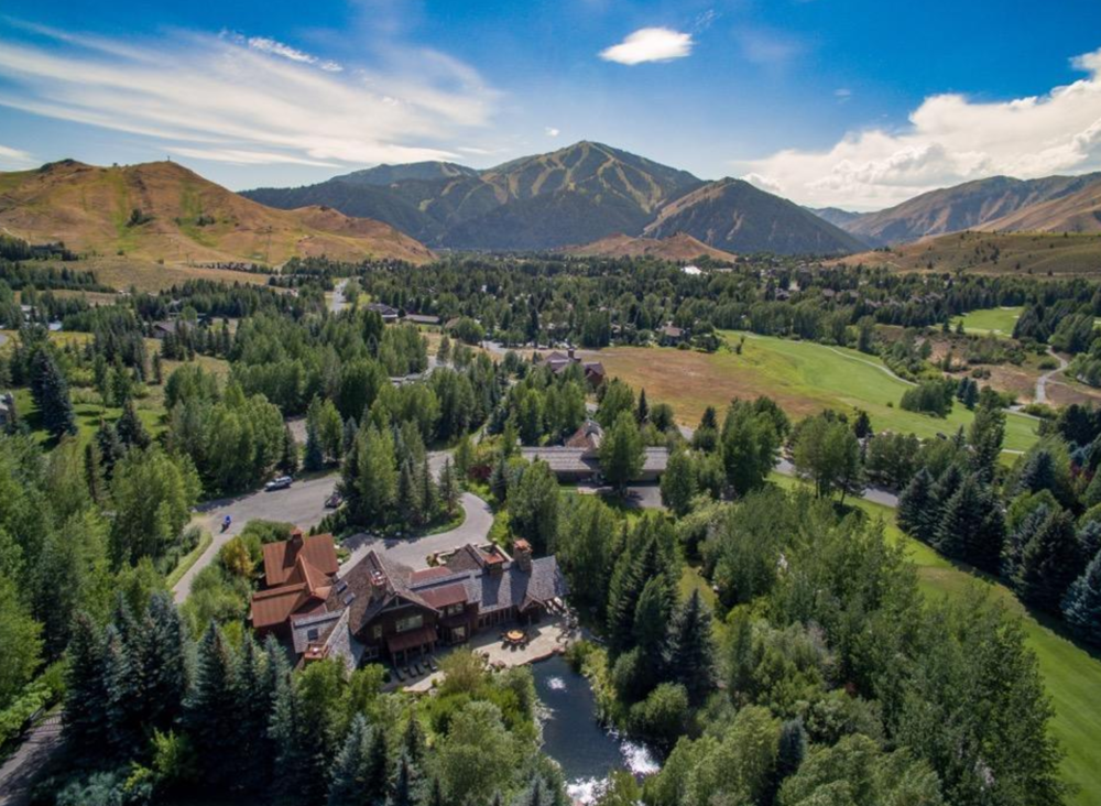4 BEDS, 4.5 BATHS || SUN VALLEY || $5,900,000