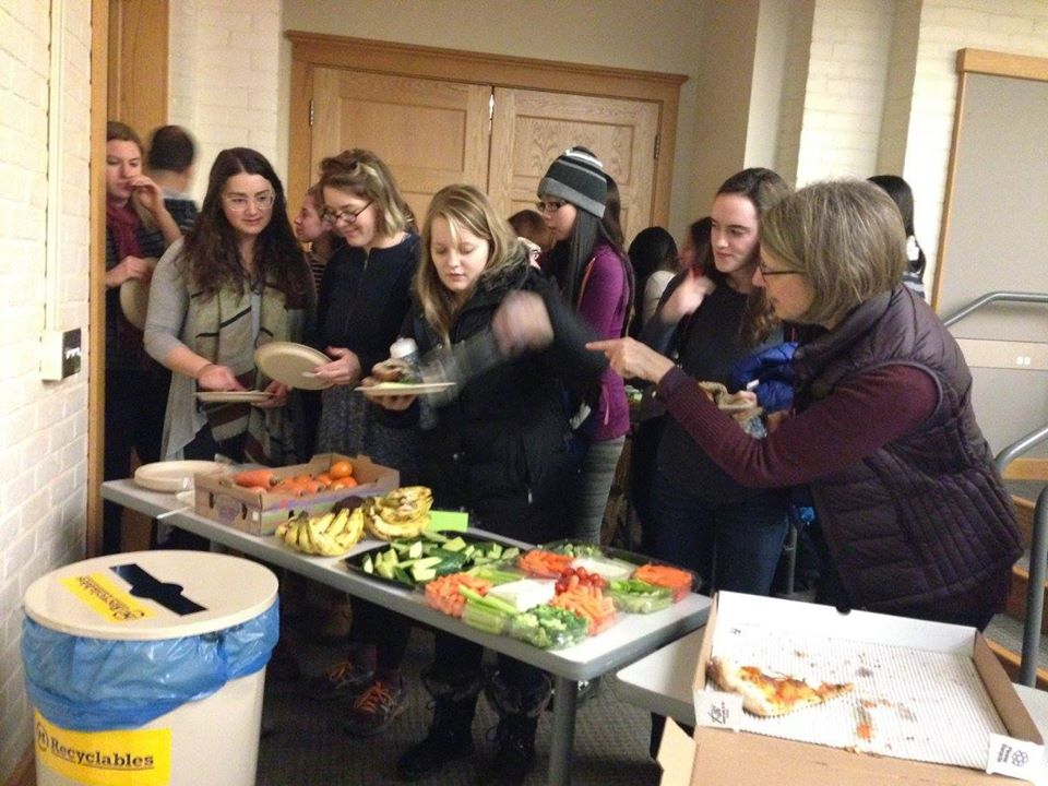 Students line up to grab fresh, recovered produce from U-M's Student Food Co.