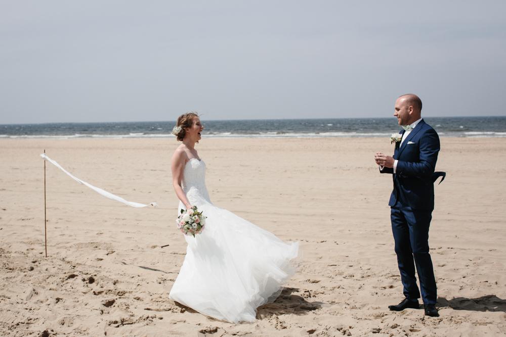 Kiesendahl_Hochzeitsfotografie_Strand_Scheveningen_041.jpg