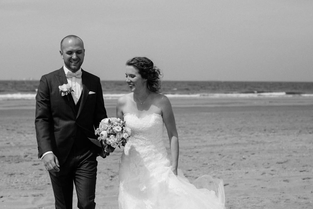 Kiesendahl_Hochzeitsfotografie_Strand_Scheveningen_050.jpg