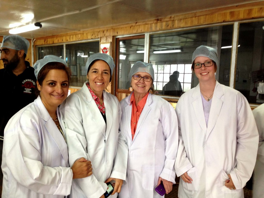 Our stylish factory outfits. From right to left: Shabnam, Gabriella, Katherine, me. Photo credit: Gabriella Lombardi (www.chateaatelier.it)