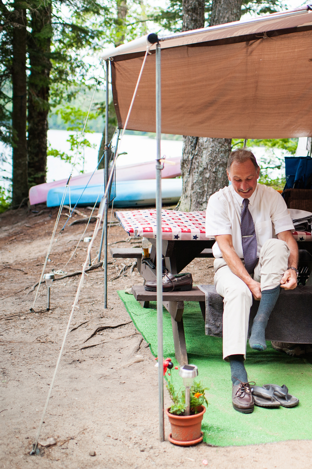 father of the bride getting ready for adirondack wedding