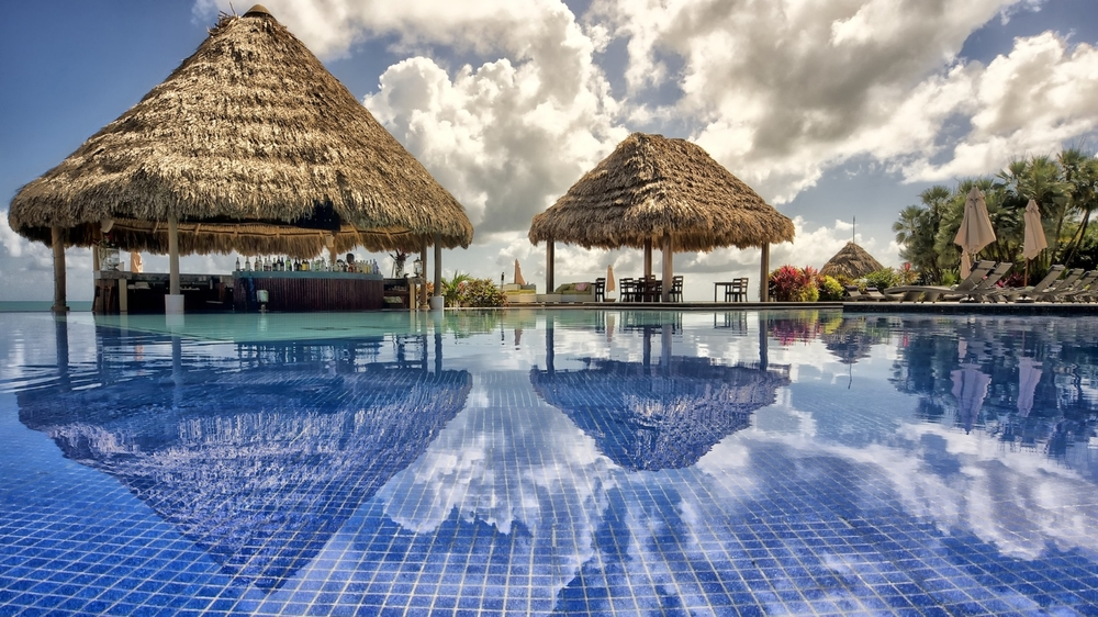 Infinity Pool in Belize at the Tropic Chic Resort