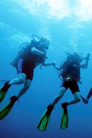 SCUBA & Snorkeling - Explore the Belize Barrier Reef with Belize Underwater, located right at The Placencia