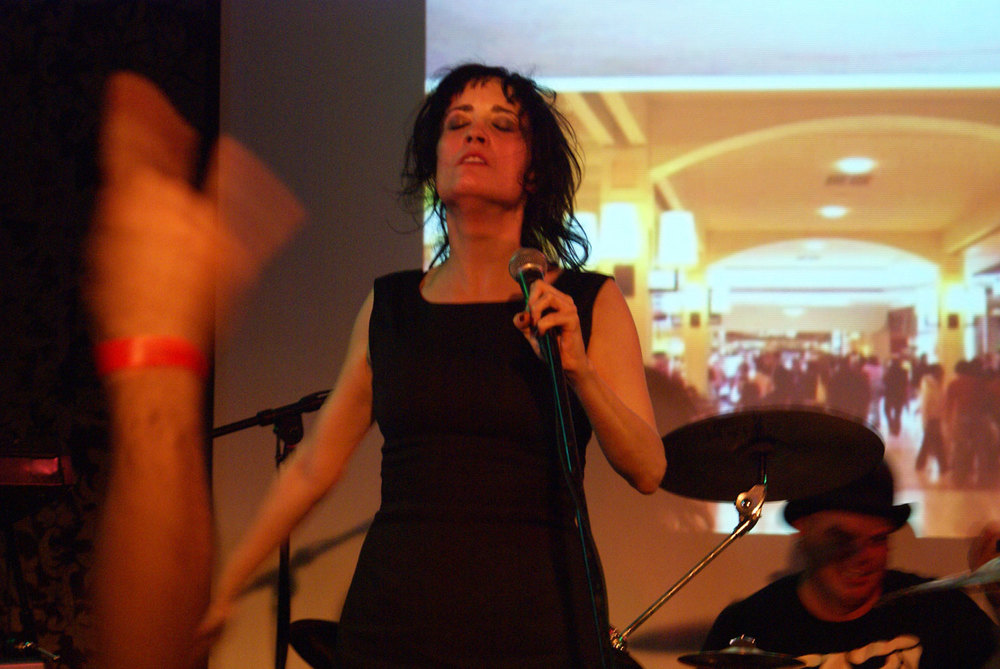 Coralina Cataldi-Tassoni performing with with Orco Muto  (10).jpg