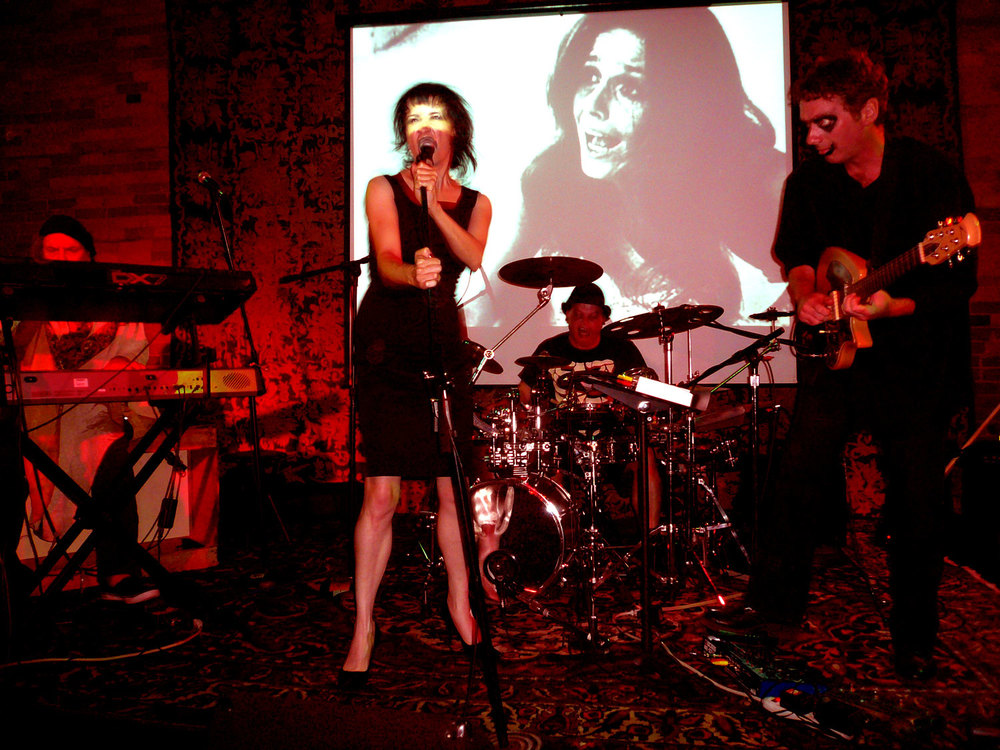 Coralina Cataldi-Tassoni performing with with Orco Muto  (11).jpg