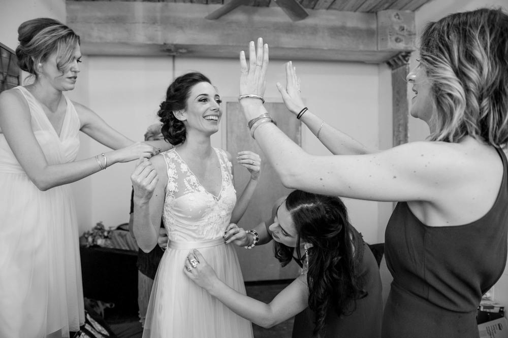 DSC_8400greenpoint-lofts-brooklyn-wedding-030.jpg