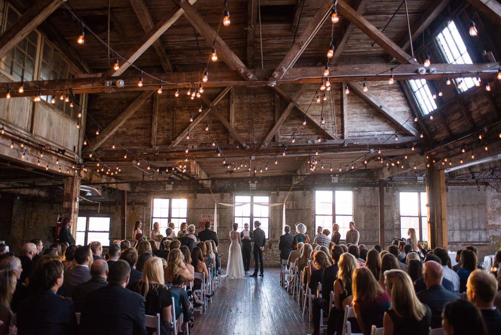 _D800625greenpoint-lofts-brooklyn-wedding-035.jpg