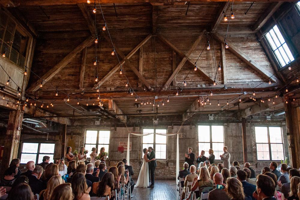 DSC_8544greenpoint-lofts-brooklyn-wedding-038.jpg