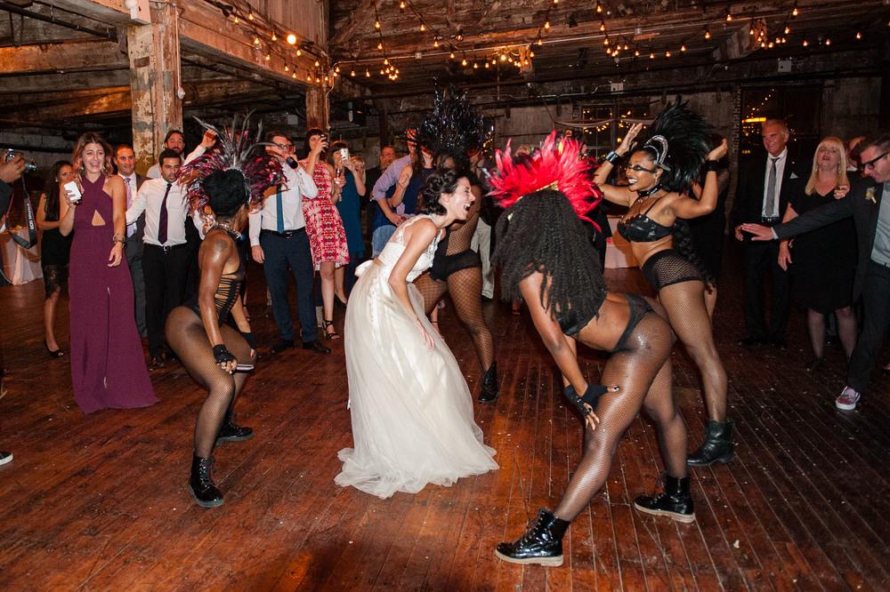 D7L_0573greenpoint-lofts-brooklyn-wedding-068.jpg