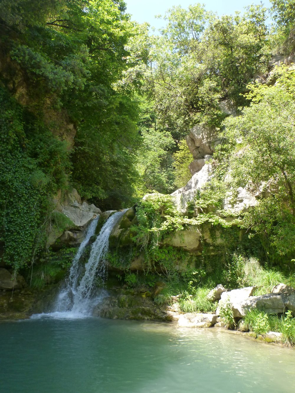 yoga-retreat-france-waterfall-magic.jpg