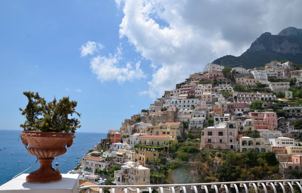 yoga retreat positano 1.png